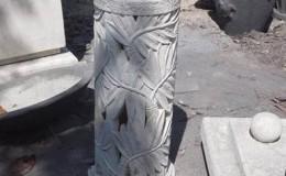 palm leaf statue