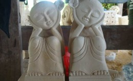 sitting girls balinese statue