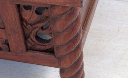 table leg detail